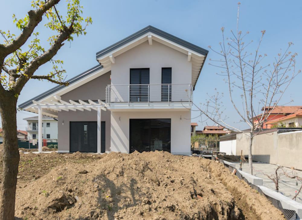Ville e case in legno - Casa a due piani ...